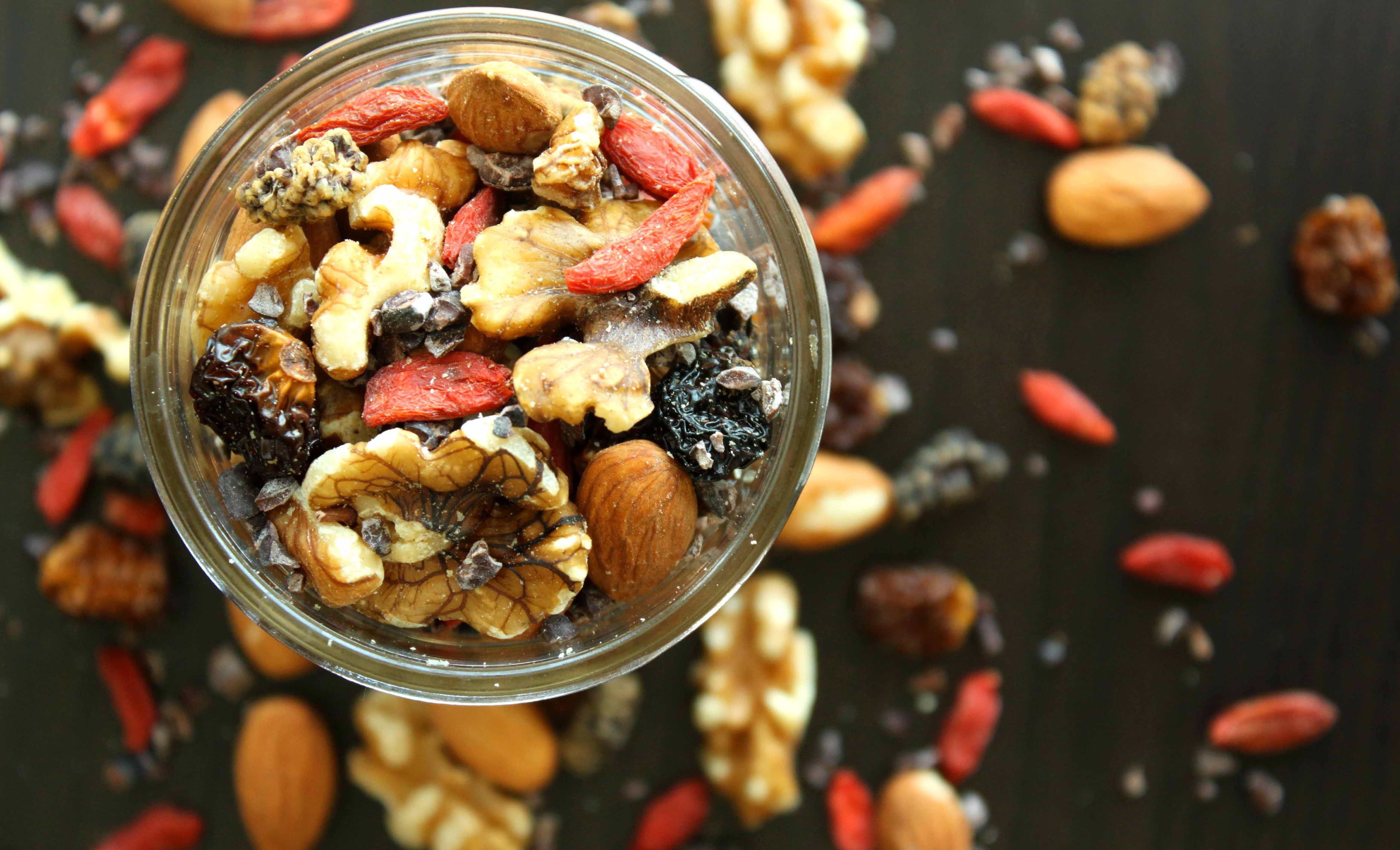 Superfood-Trail-Mix-by-@jesselwellness-trailmix-superfood